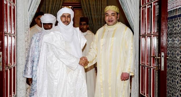 الملك محمد السادس lمستقبلا زعيم الحركة الوطنية للأزواد بلال آغ الشريف خلال يناير الماضي، وهو اللقاء الذي أقلق الجزائر.