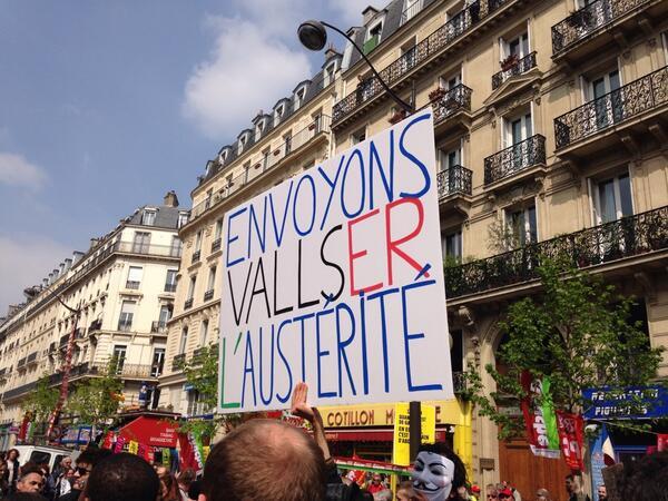 صورة من التظاهرة تندد بمانويل فالس